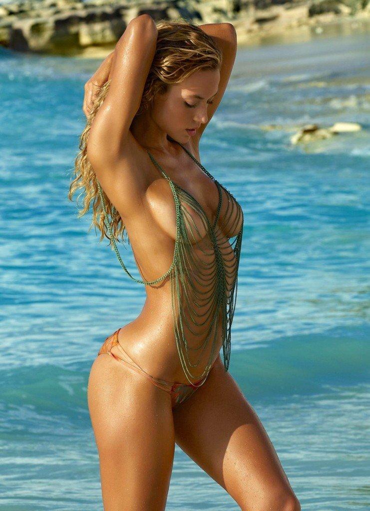 Hannah Ferguson Sexy