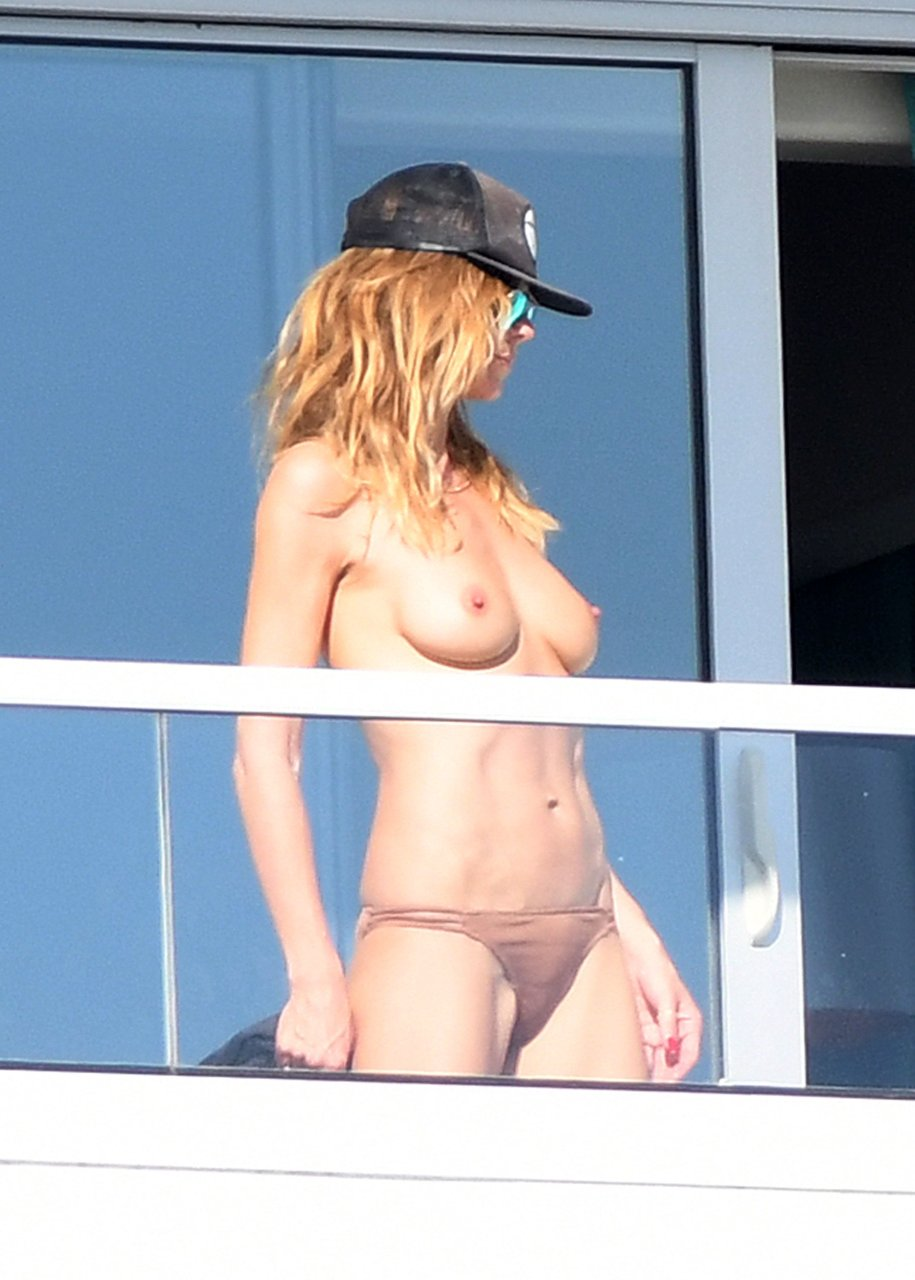 Heidi klum nude pics topless pics