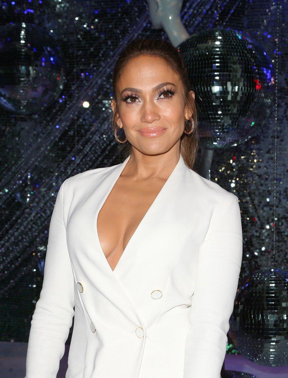 Jennifer Lopez nude topless and sex - U Turn (1997) hd1080p