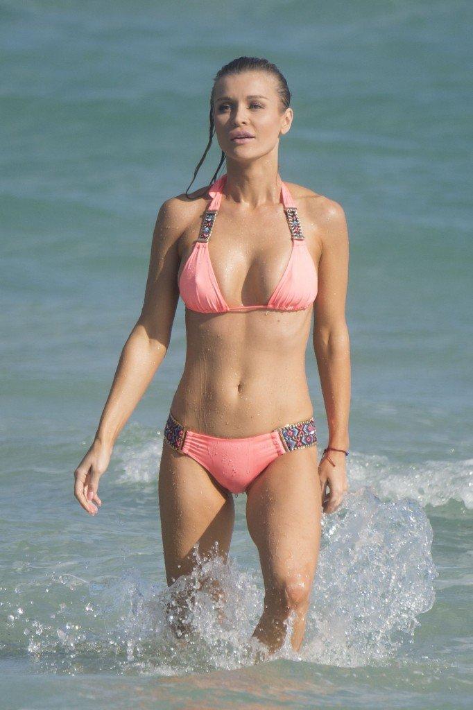 Joanna Krupa Sexy (33 Photos + Video)