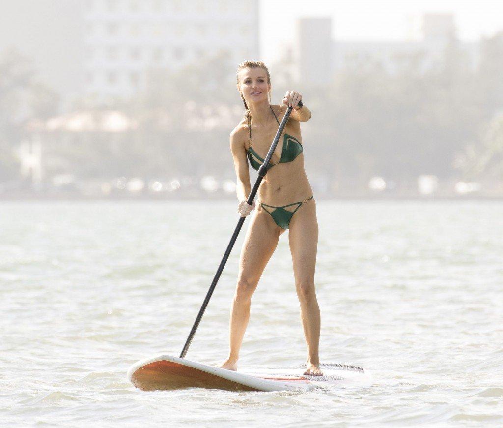 Joanna Krupa Sexy (86 Photos)