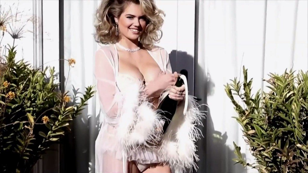 Kate Upton Sexy – 2016 LOVE Advent (Latest Video)
