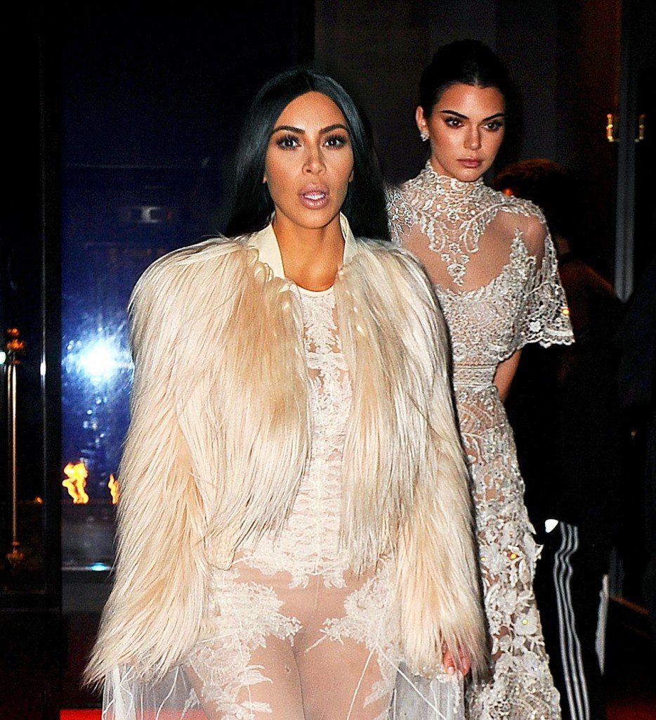 Kim Kardashian and Kendall Jenner Sexy thefappening.so 1