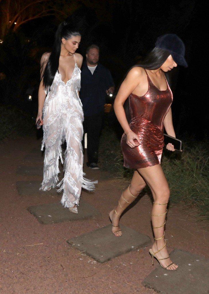 Kylie Jenner Kim Kardashian Sexy 4