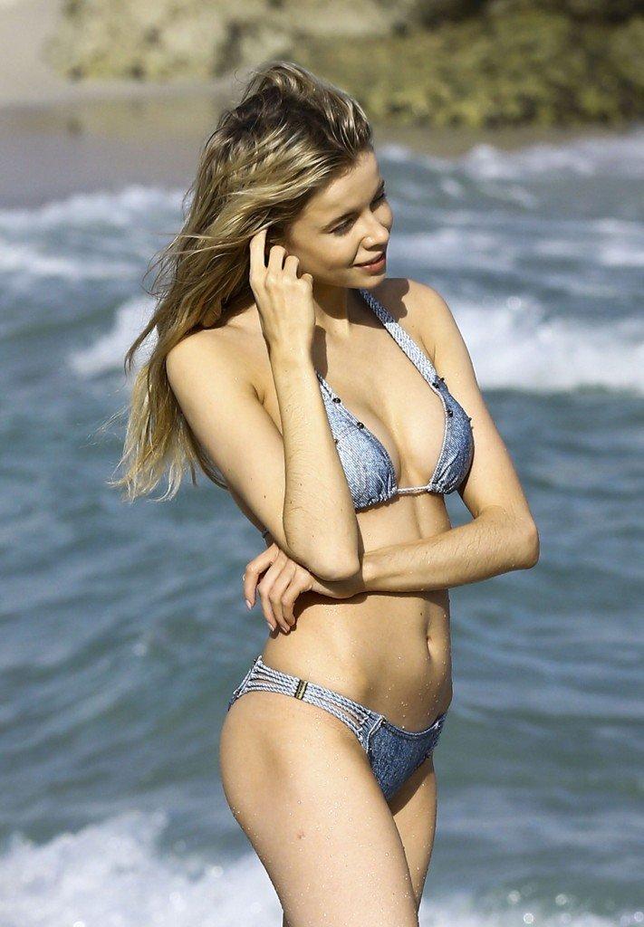 Louisa Warwick Sexy (41 Photos)