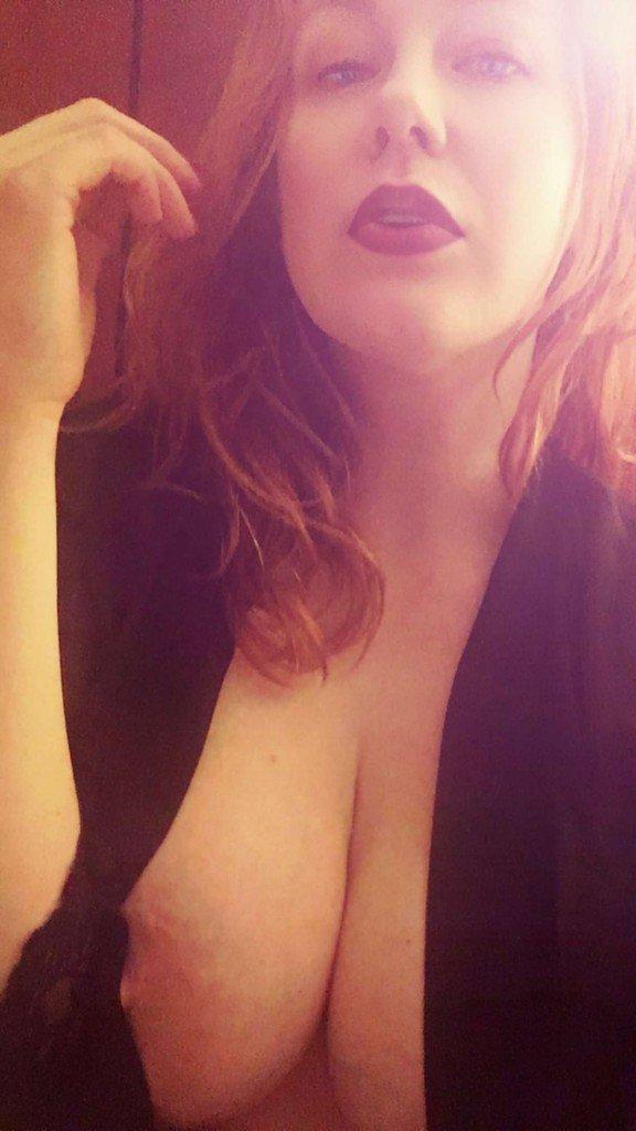 Maitland Ward Tits (8 Photos)
