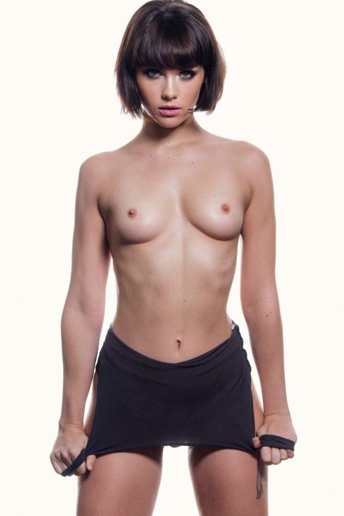 Mellisa Clarke Sexy Topless 4