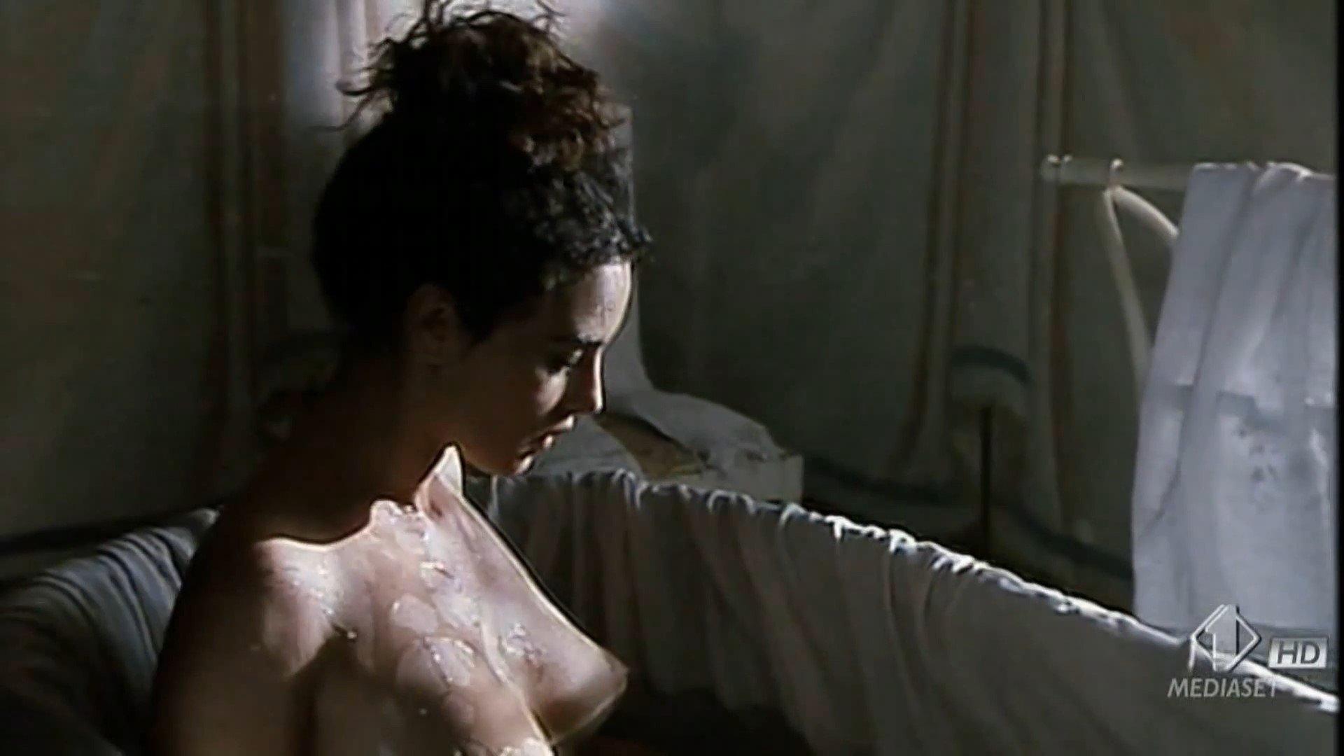 Monica Belucci Nude Pics 68
