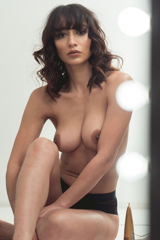 Nicola Paul Sexy Topless 5