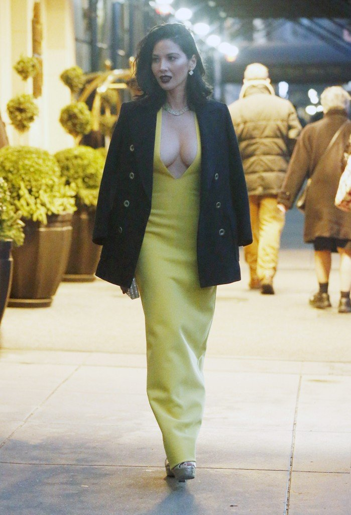 Olivia Munn Cleavage thefappening.so 13