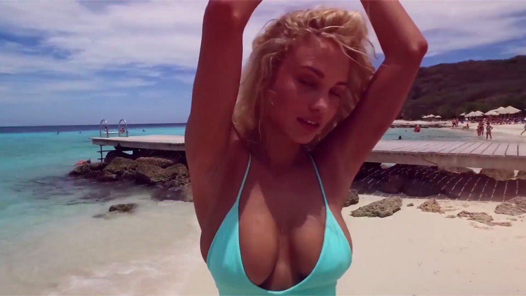 Rose Bertram Sexy Topless 28 scr thefappening.so