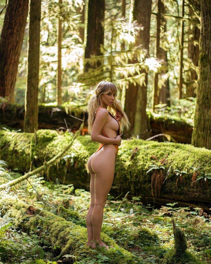 Sara Jean Underwood Sexy 1