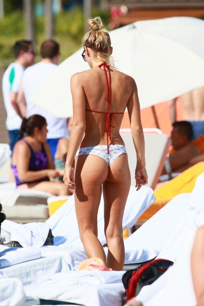 Selena Weber Sexy & Topless (23 Photos)
