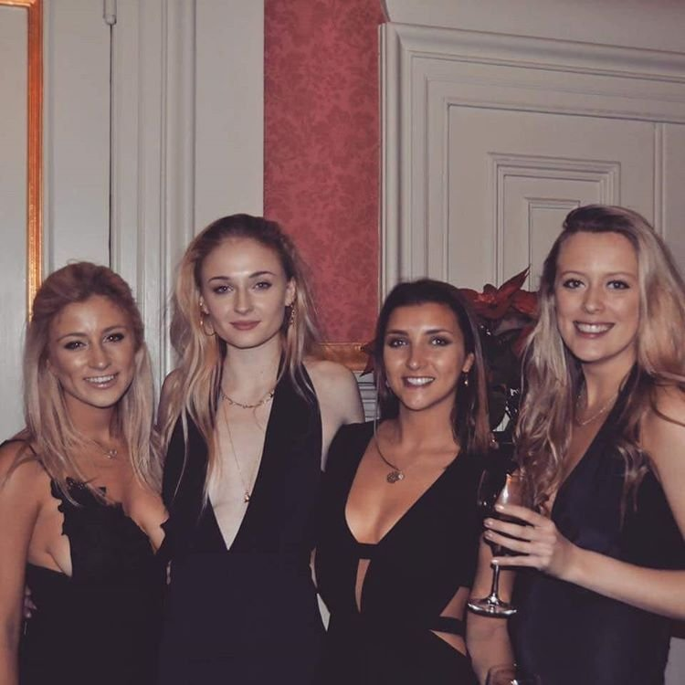 Sophie Turner Braless thefappening.so 4