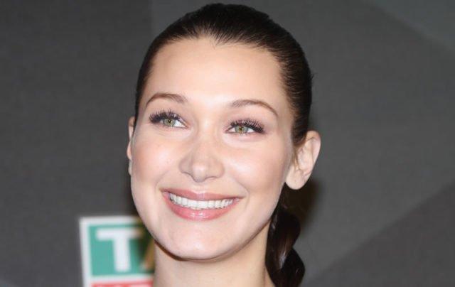 Bella-Hadid-smile