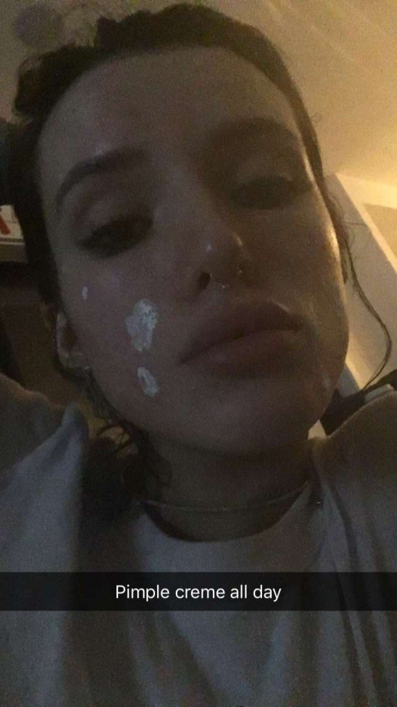 Bella Thorne Topless (6 Photos + GIF)