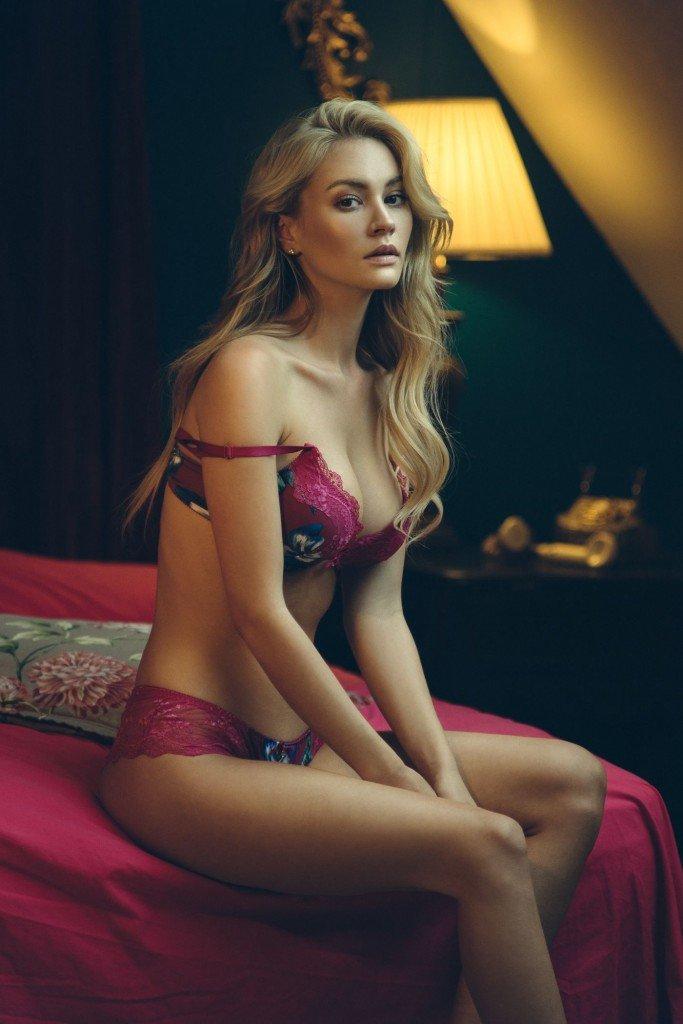 Bryana Holly Sexy (8 Photos)