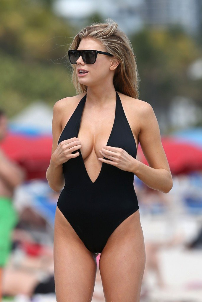 Charlotte McKinney Sexy 102 thefappening.so