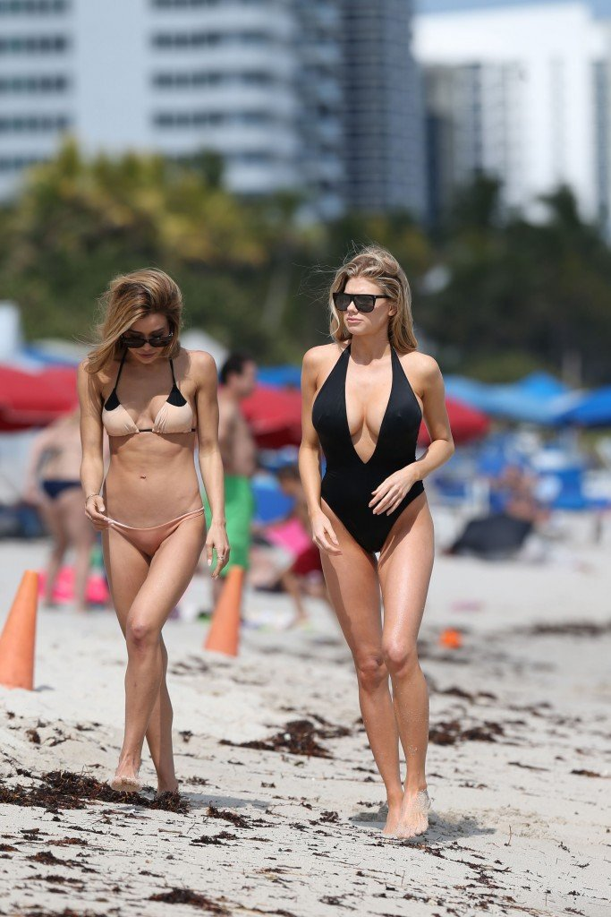 Charlotte McKinney Sexy 104 thefappening.so
