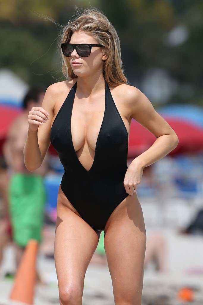 Charlotte McKinney Sexy 105 thefappening.so