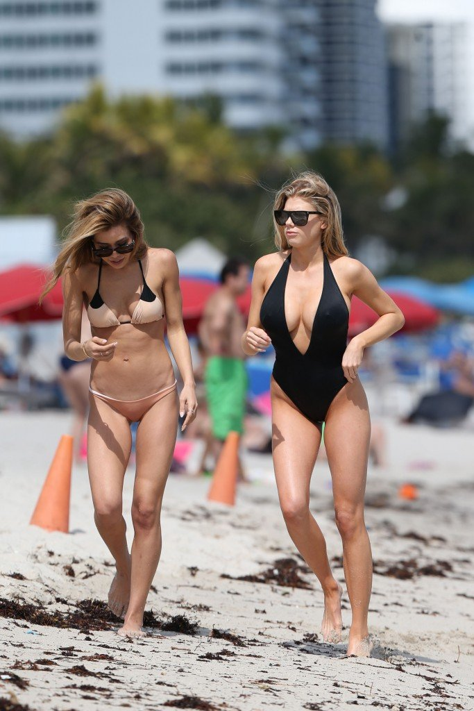 Charlotte McKinney Sexy 106 thefappening.so