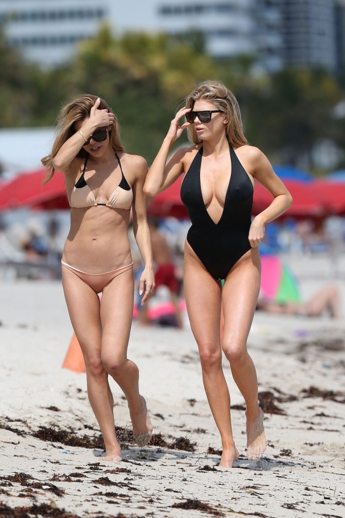 Charlotte McKinney Sexy 109 thefappening.so