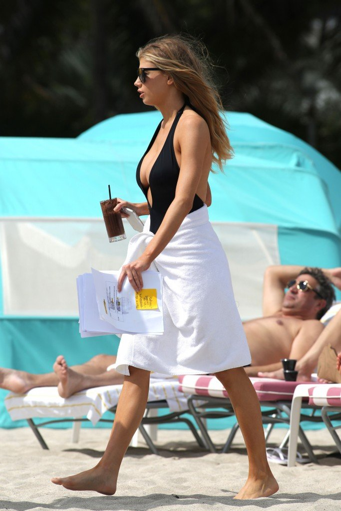 Charlotte McKinney Sexy 111 thefappening.so