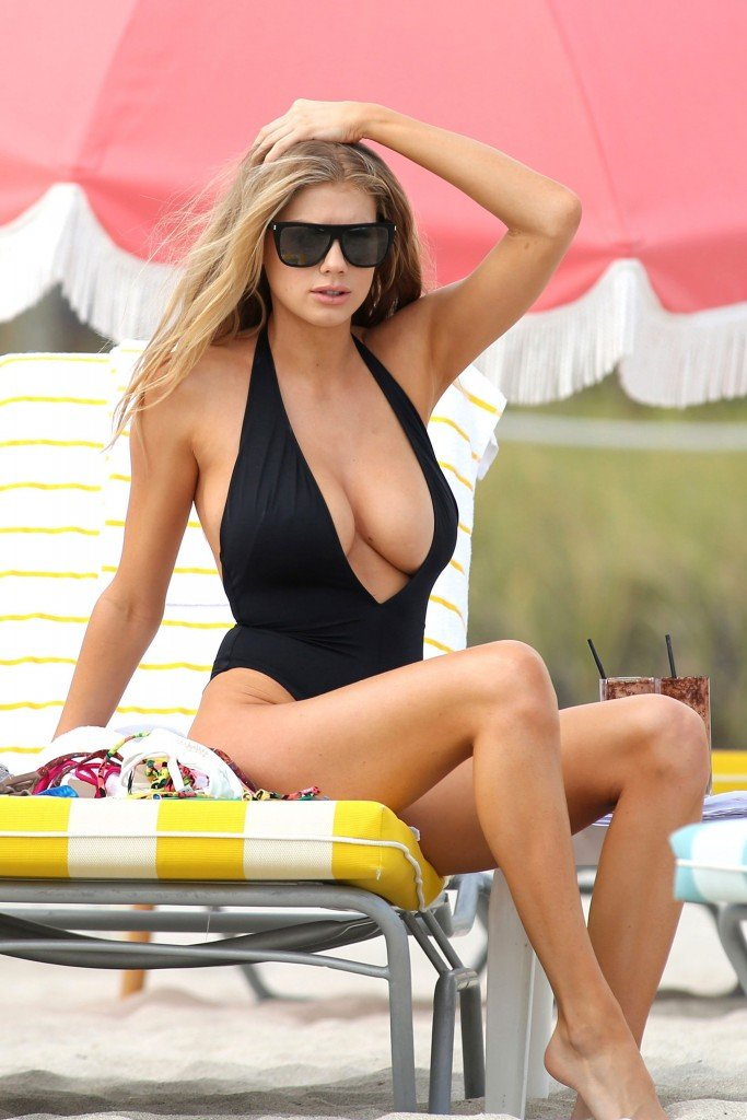 Charlotte McKinney Sexy 117 thefappening.so