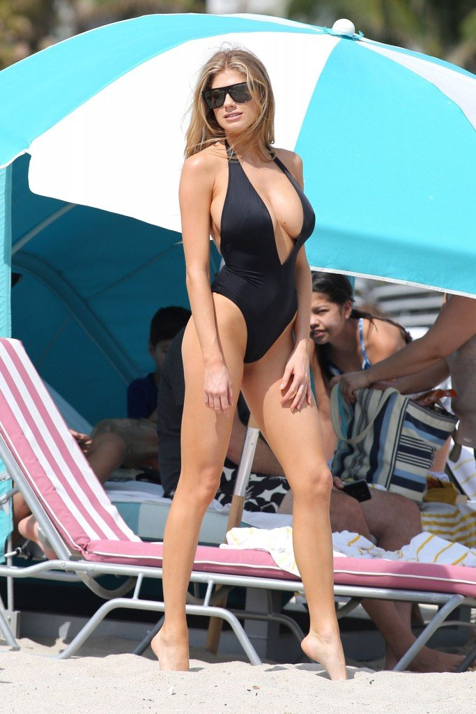 Charlotte McKinney Sexy 123 thefappening.so