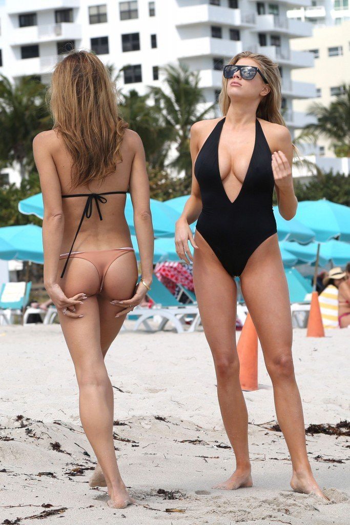 Charlotte McKinney Sexy 14 thefappening.so