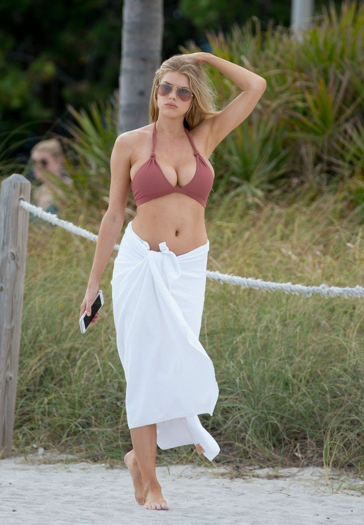 Charlotte McKinney Sexy 3 thefappening.so