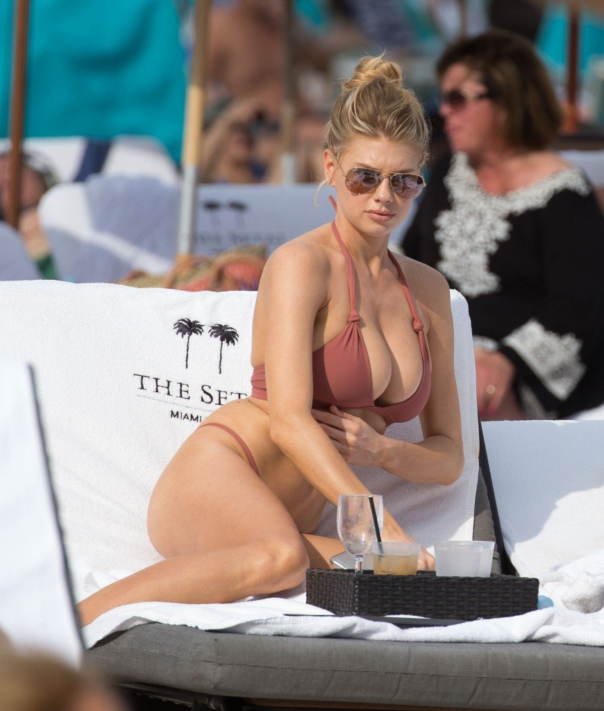 Charlotte McKinney Sexy 30 thefappening.so