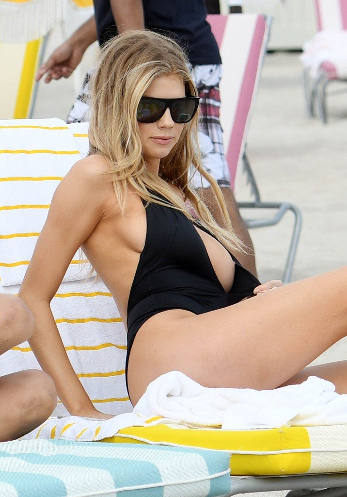 Charlotte McKinney Sexy 33 thefappening.so
