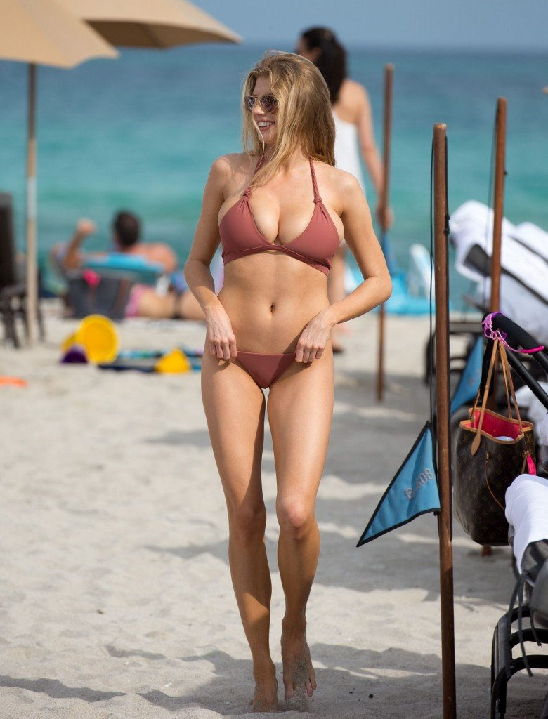 Charlotte McKinney Sexy 35 thefappening.so
