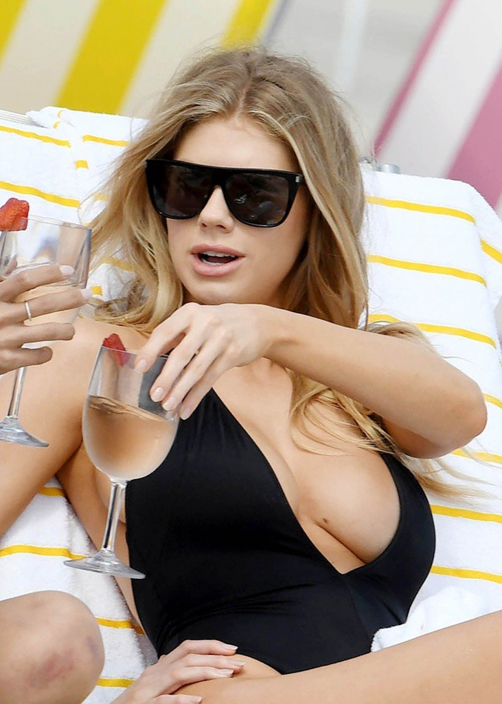 Charlotte McKinney Sexy 40 thefappening.so