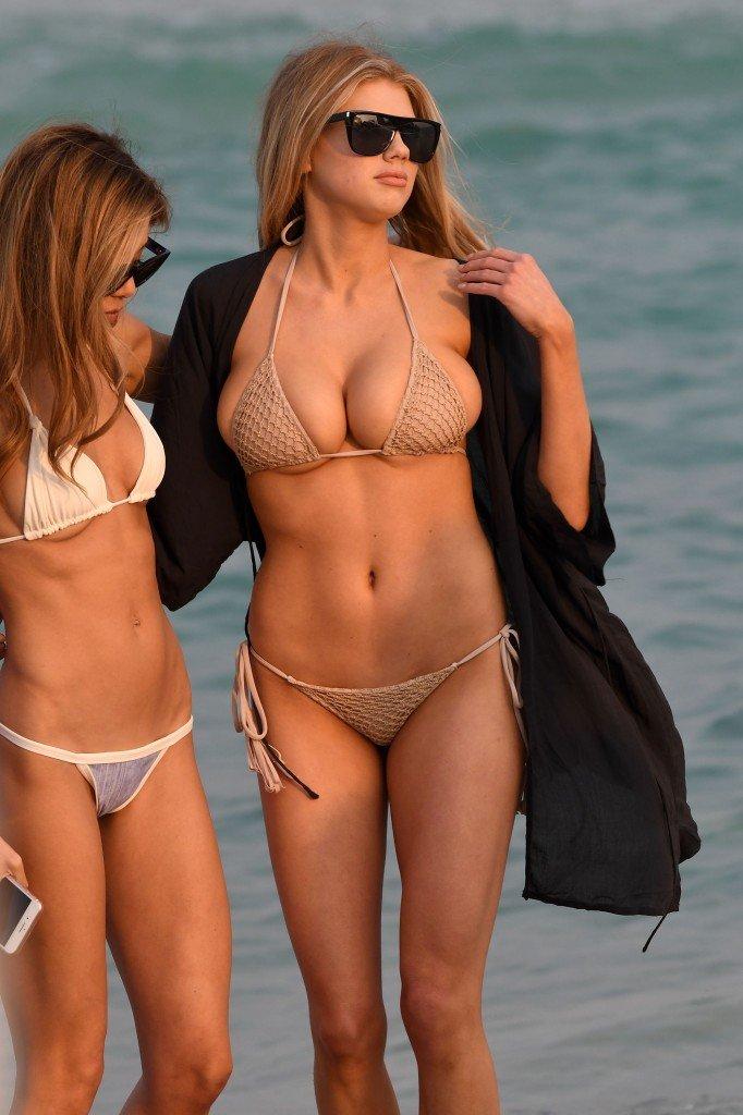 Charlotte McKinney Sexy 43