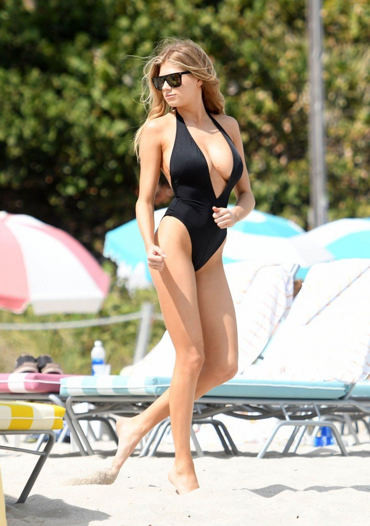 Charlotte McKinney Sexy 45 thefappening.so