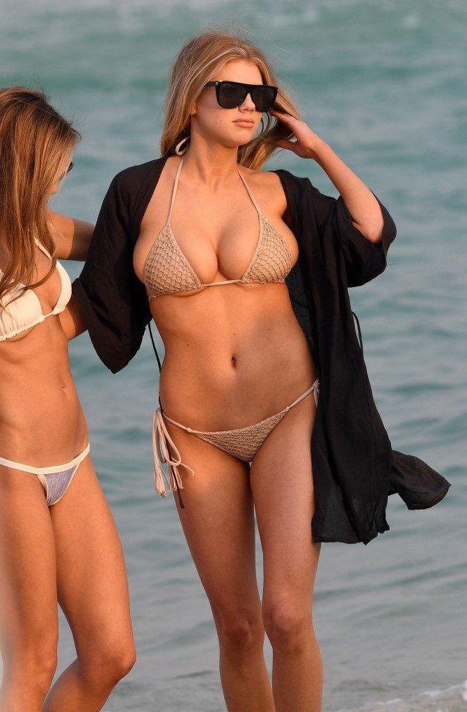 Charlotte McKinney Sexy 58