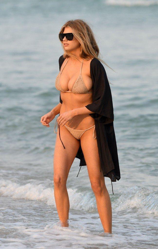 Charlotte McKinney Sexy 65