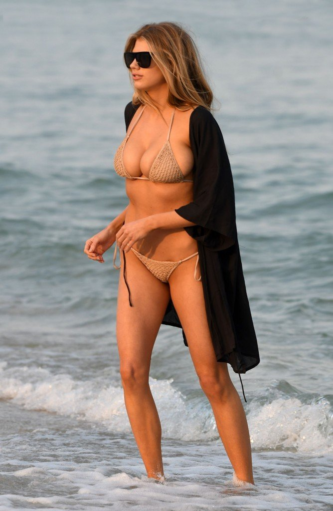 Charlotte McKinney Sexy 68
