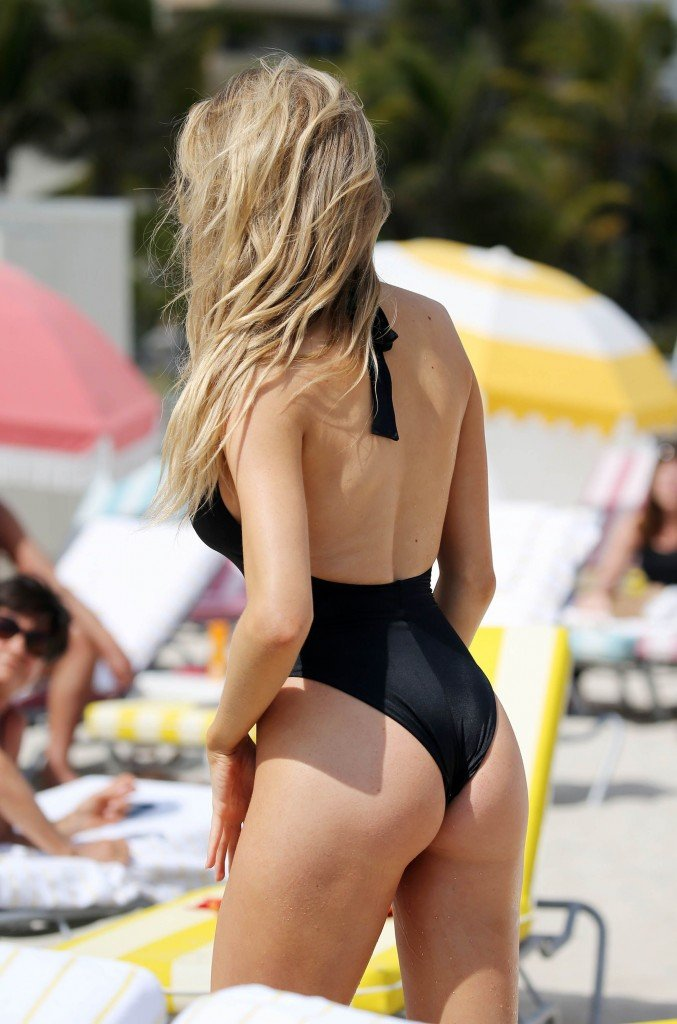 Charlotte McKinney Sexy 80 thefappening.so