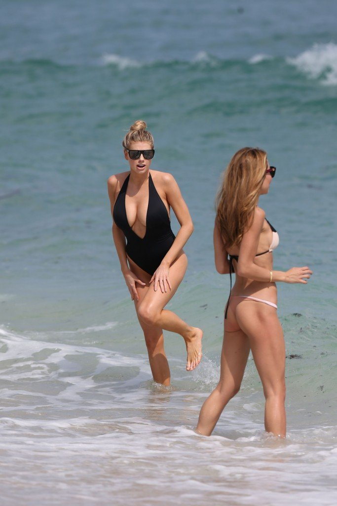 Charlotte McKinney Sexy 85 thefappening.so