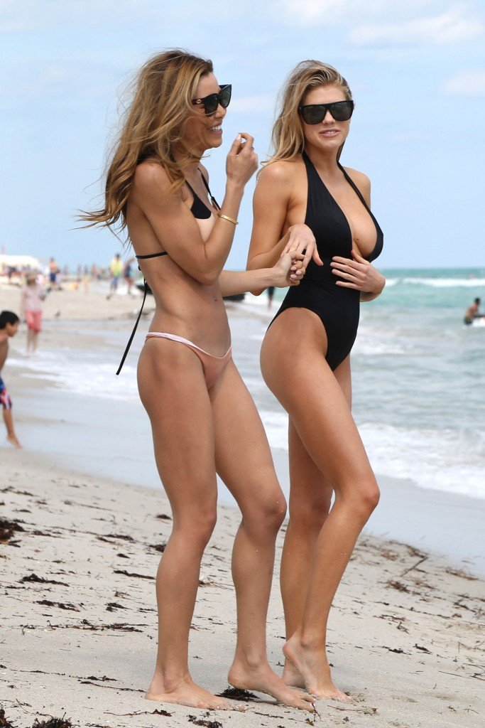 Charlotte McKinney Sexy 9 thefappening.so