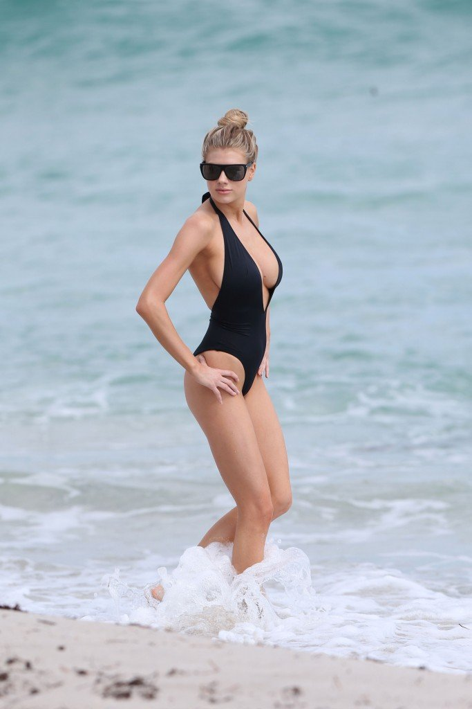Charlotte McKinney Sexy 90 thefappening.so