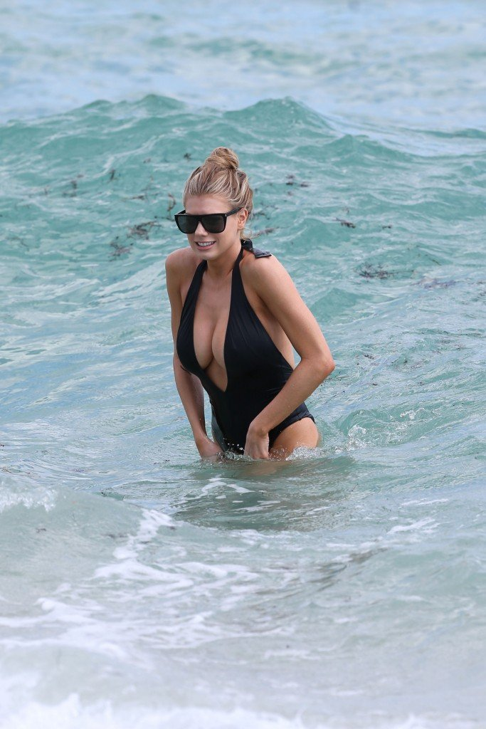 Charlotte McKinney Sexy 92 thefappening.so