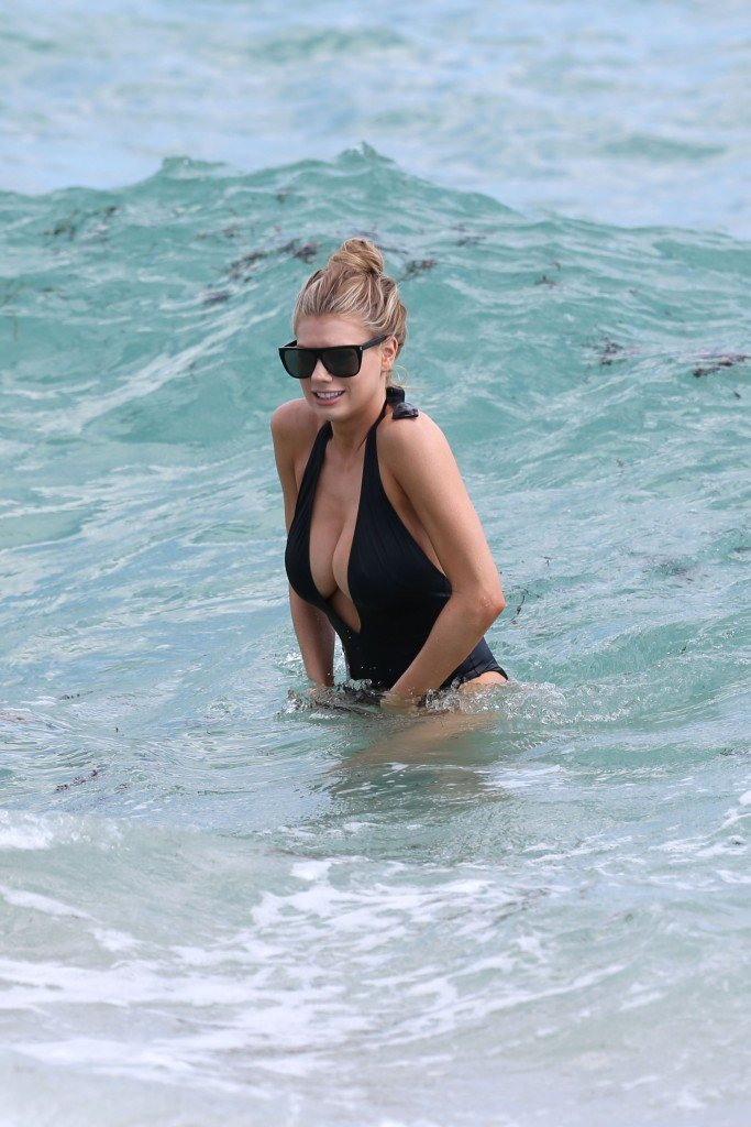 Charlotte McKinney Sexy 93 thefappening.so