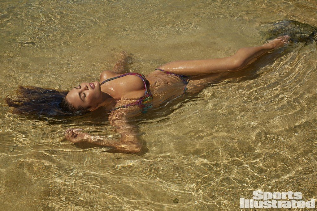 Chrissy Teigen Sexy 1 thefappening.so