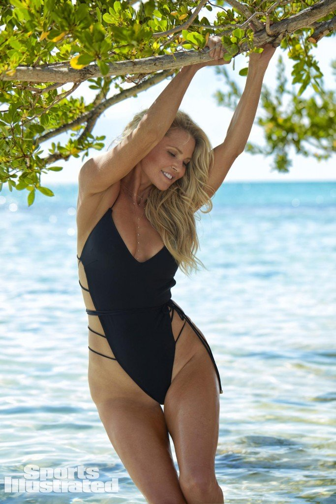 Christie Brinkley Sexy 16