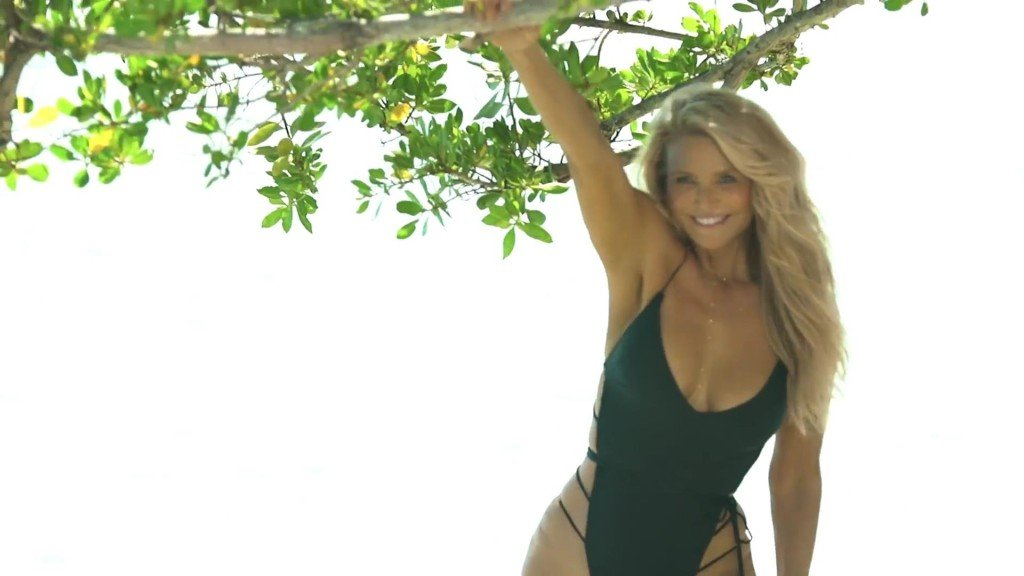 Christie Brinkley Sports Illustrated Swimsuit 2017_18