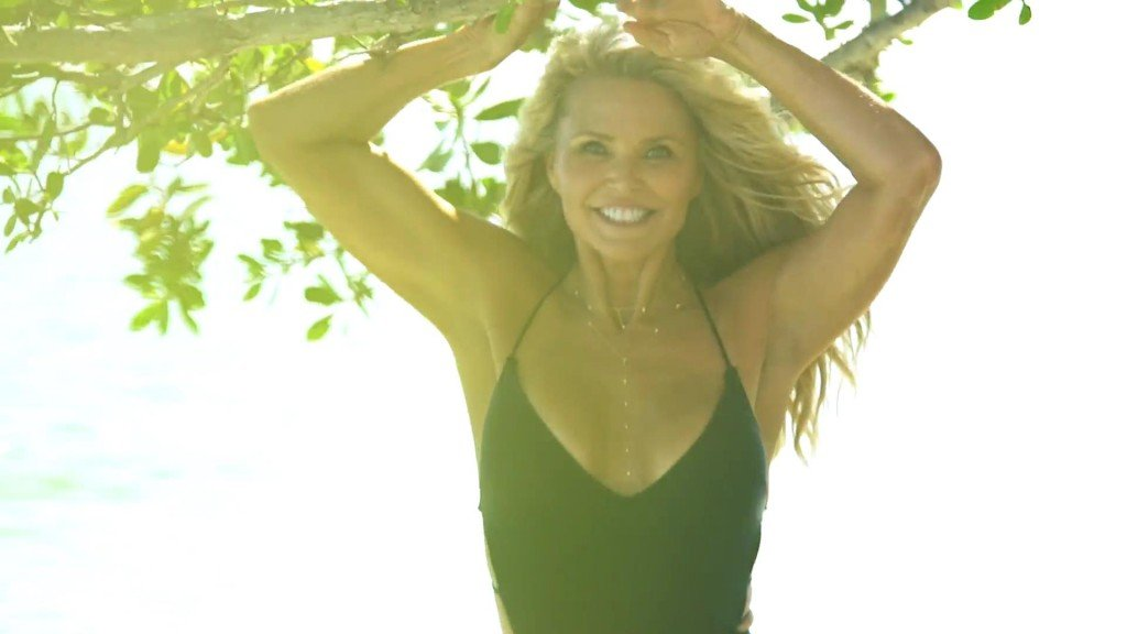 Christie Brinkley Sports Illustrated Swimsuit 2017_20
